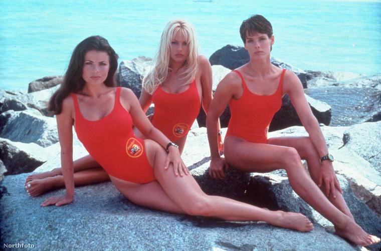 Yasmine Bleeth, Pamela Anderson és Alexandra Paul miatt.