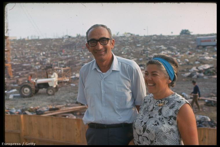 Méghozzá ennek a házaspár, Max és Miriam Yasgur birtokán, ahol három napon át közel félmillió ember bulizott 1969 augusztusában