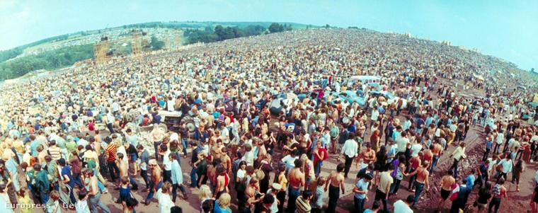Sok volt az ember, a por, meg úgy általában minden az idei fesztiválokon, és főleg a Szigeten? Pedig a Sziget egy kis semmiség volt a 46 évvel ezelőtt megtartott fesztválhoz, Woodstockhoz képest