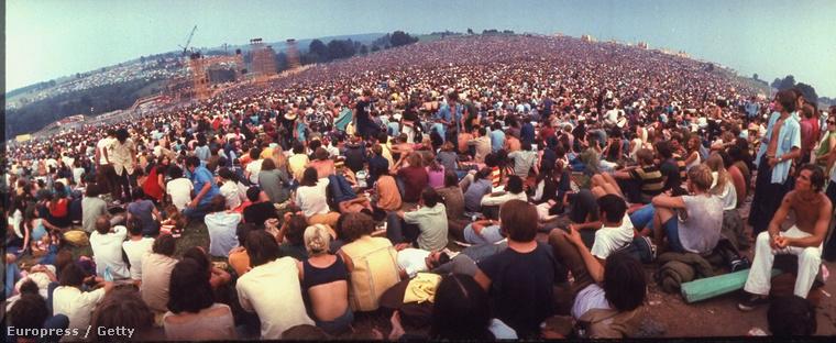 Konkrétan végeláthatatlan tömeg volt