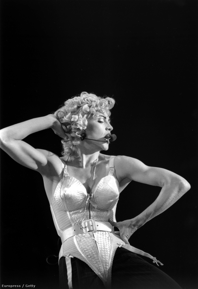 Egy kicsit mindenkinek hiányzik Madonna csúcsos melltartója