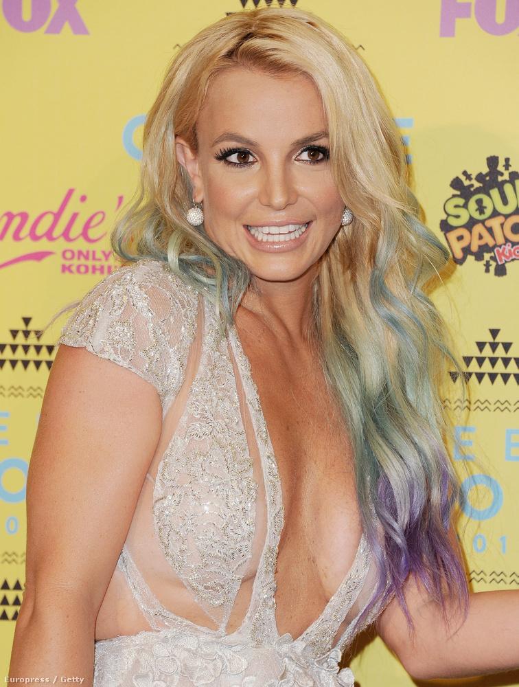 Egy-két sötétebb időszak után Spears megint jó formában van