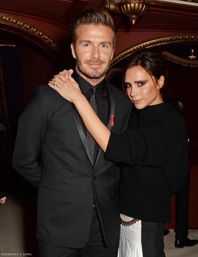 Victoria Beckham már elegáns, és van egy David Beckham az oldalán