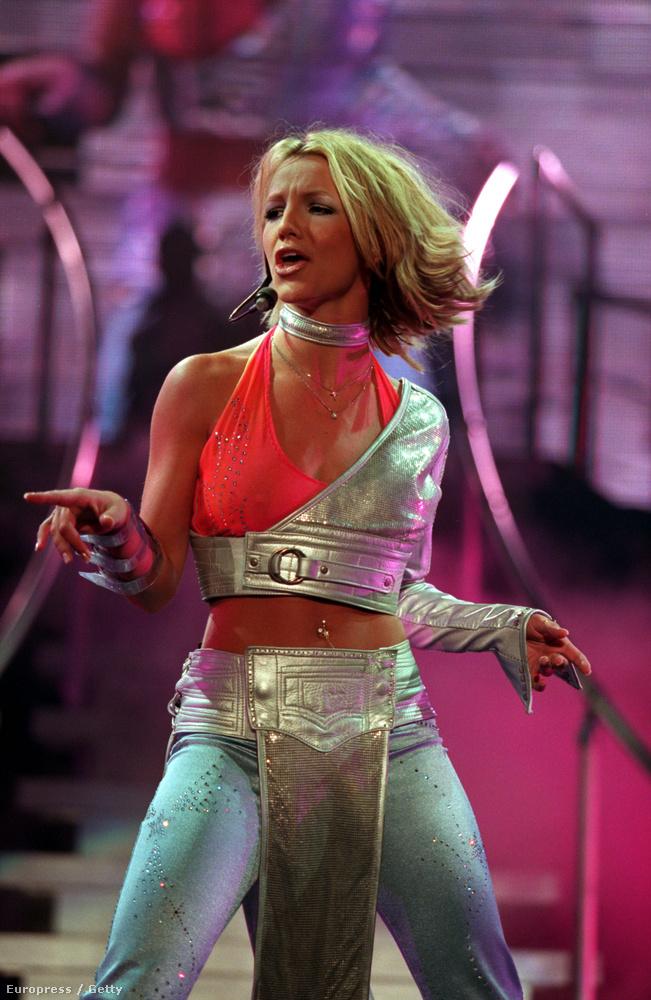 És mikor volt az, amikor Britney Spears még így lépett fel?
