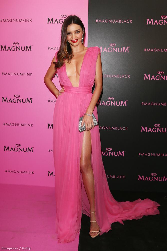 Szóval ő itt a szintén 32 éves modell, Miranda Kerr, akivel három évig voltak házasok, 2010 és 2013 között