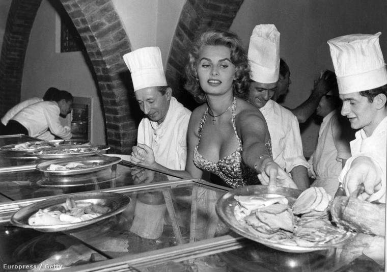 1955: amikor a filmsztárok még nyilvánosság előtt is vállalták, hogy esznek