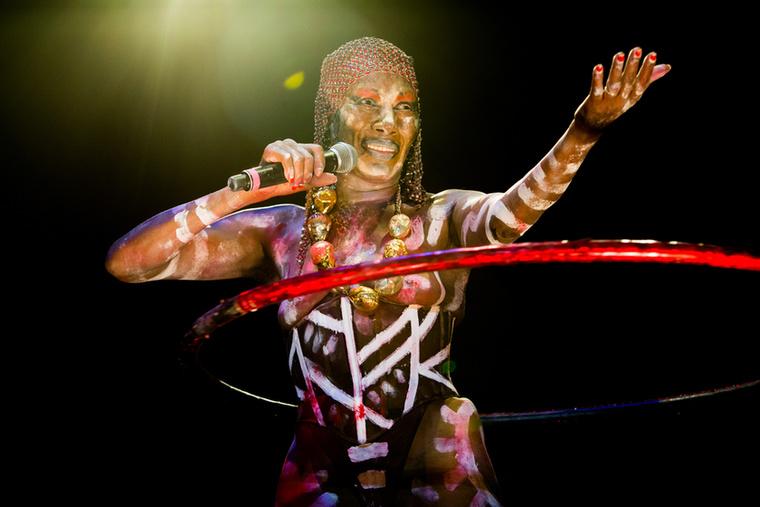 Csak egy törzsi testfestés