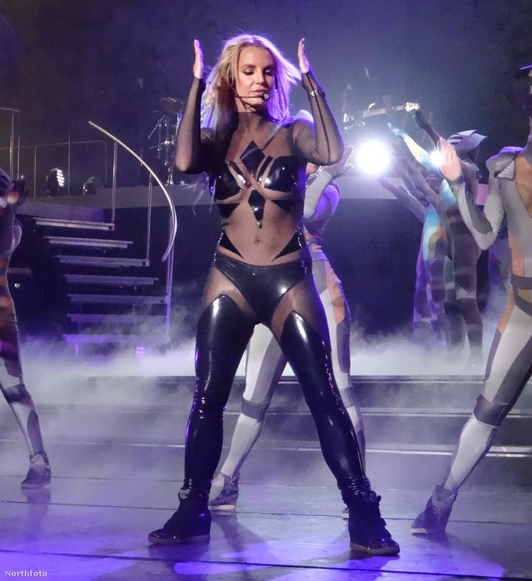 Spears egyébként mostanában megizmosodott