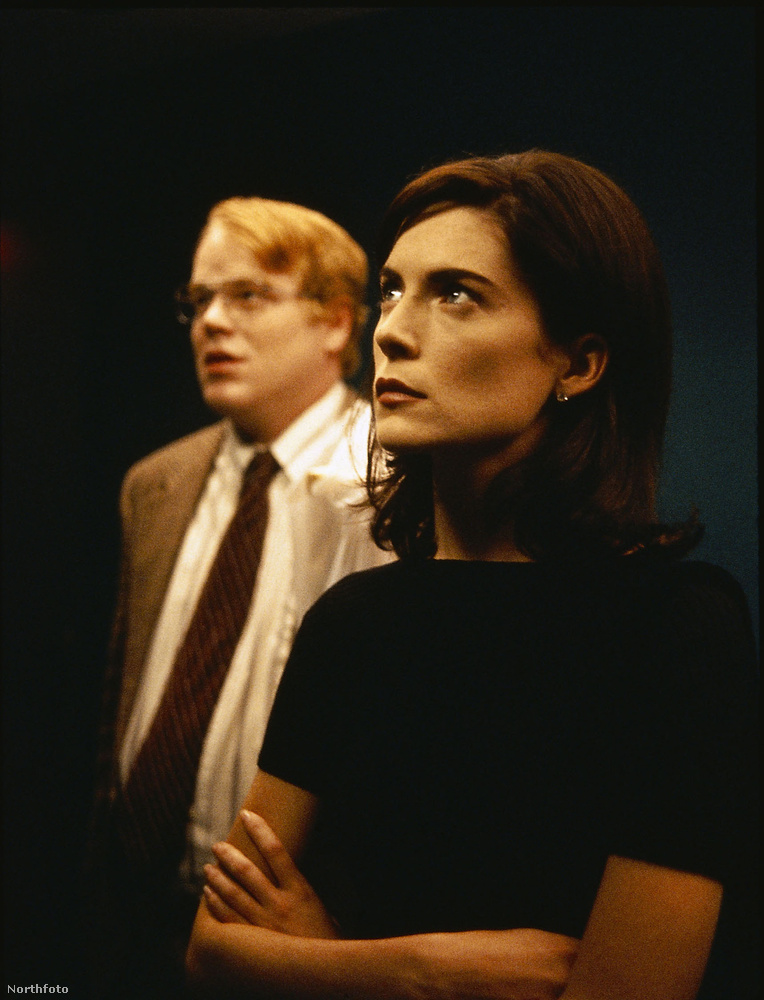 1998-ban a Boldogságtól ordítaniban volt talán a csúcson, ekkoriban a fél világ szerelmes volt Lara Flynn Boyle-ba.