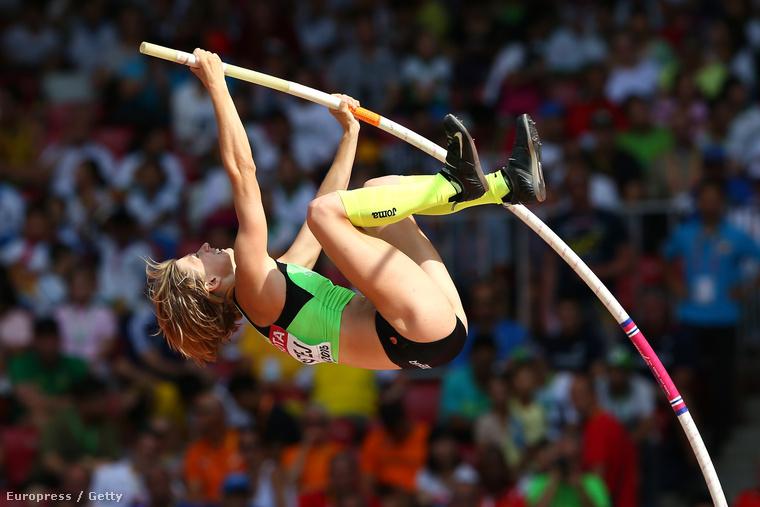A szlovén Tina Sutej is versenyben van.