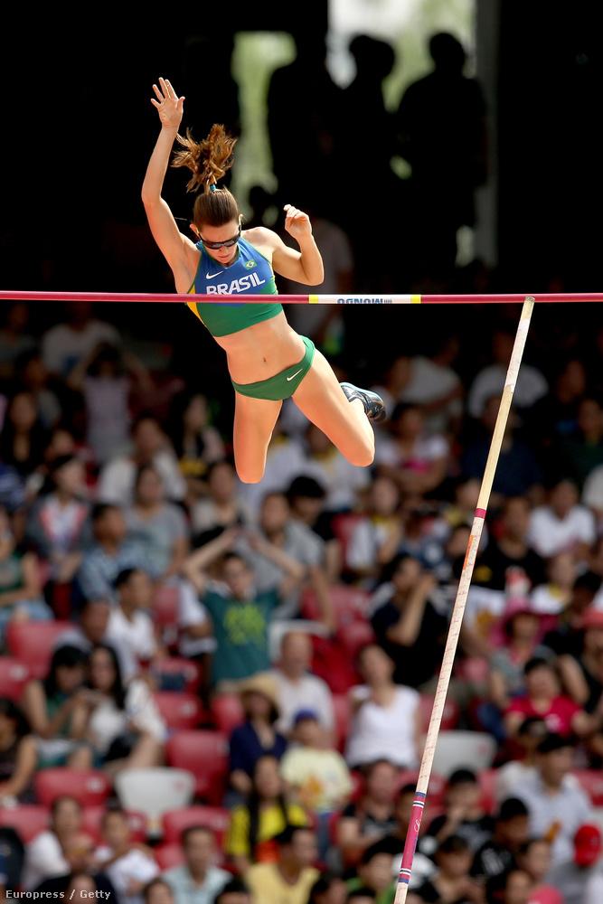 A jónőket legnagyobb arányban tartalmazó sport amúgy a rúdugrás, ő itt Brazília Fabiana Murerja.