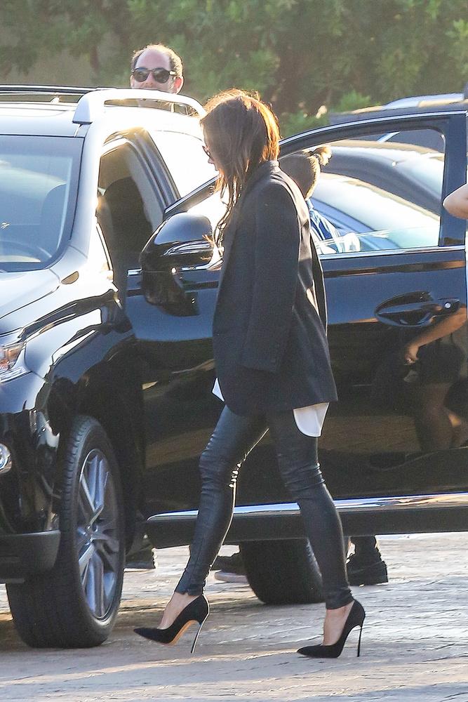 Victoria Beckham azért nem hagyta otthon a tűsarkúját