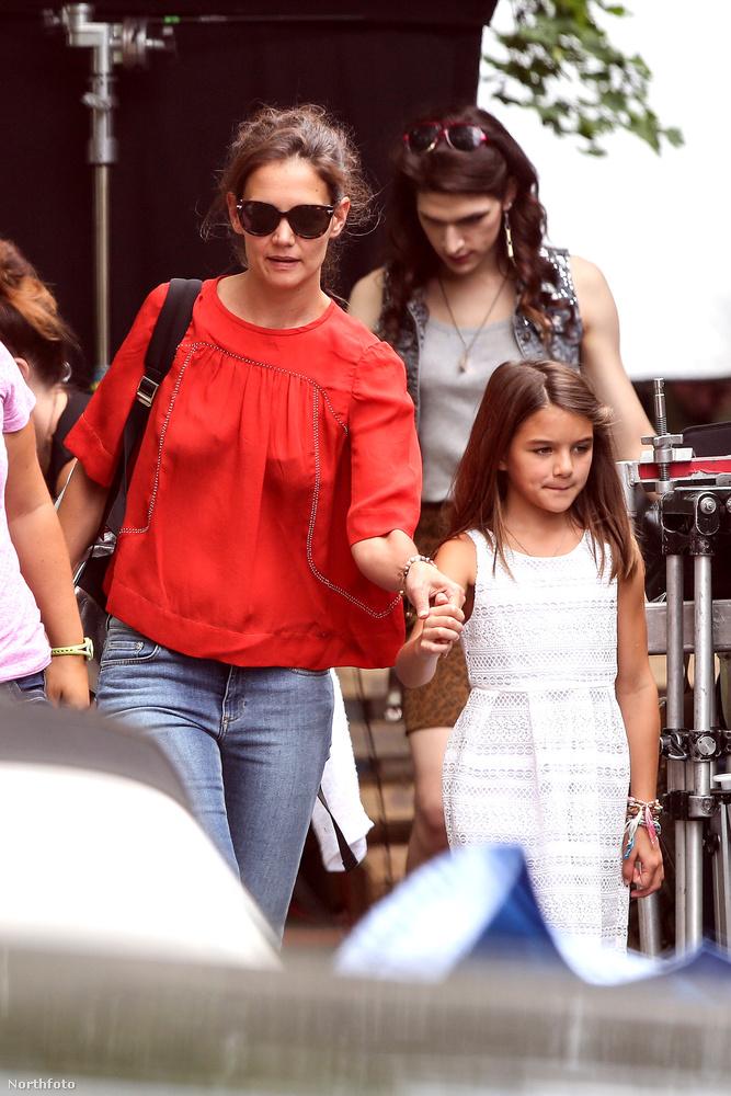 Katie Holmes New Yorkban sétált Suri névre hallgató lányával