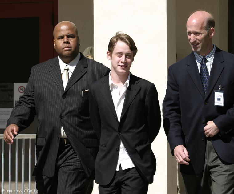 Miután Michael Jacksont egy 13 éves fiú szexuális zaklatással vádolta, az énekes 2005-ös tárgyalásán Culkint tanúként hallgatták ki