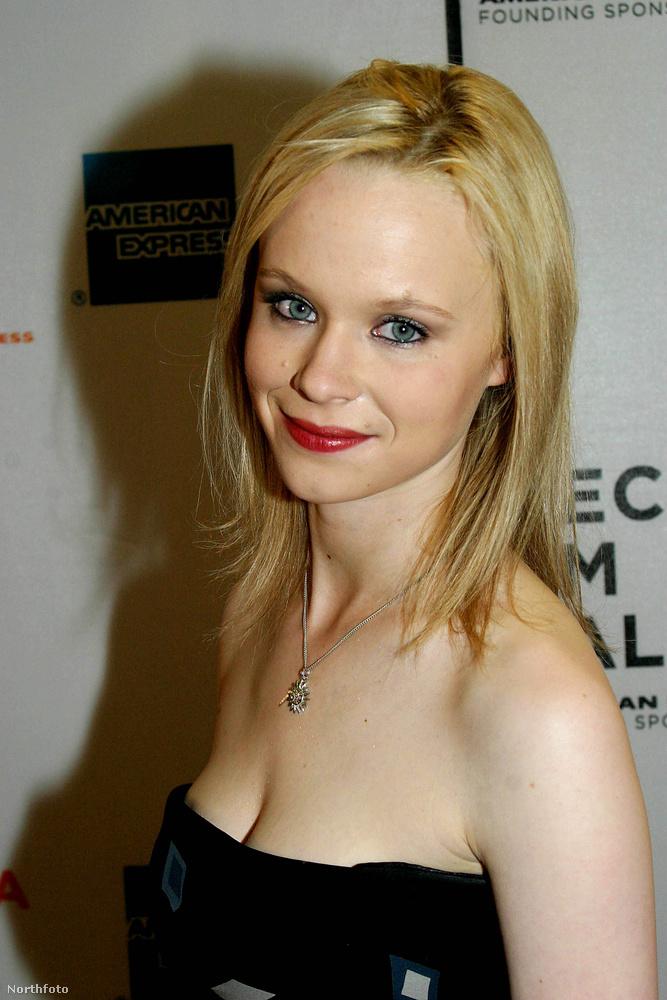 Thora Birch leghíresebb filmje az 1999-es Amerikai szépség volt, amiben Kevin Spacey lányát alakította.