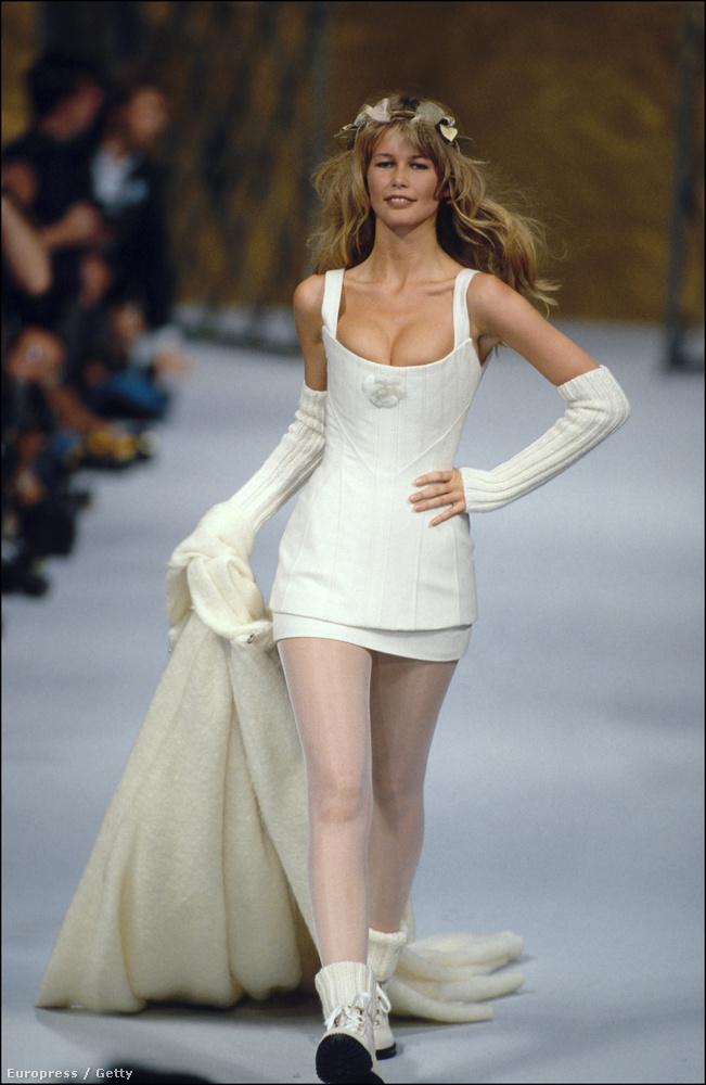 1995-ben már annyira sikeres volt, hogy a Fashion Cafe résztulajdonosa lett Christy Turlington, Naomi Campbell és Elle MacPherson mellett.