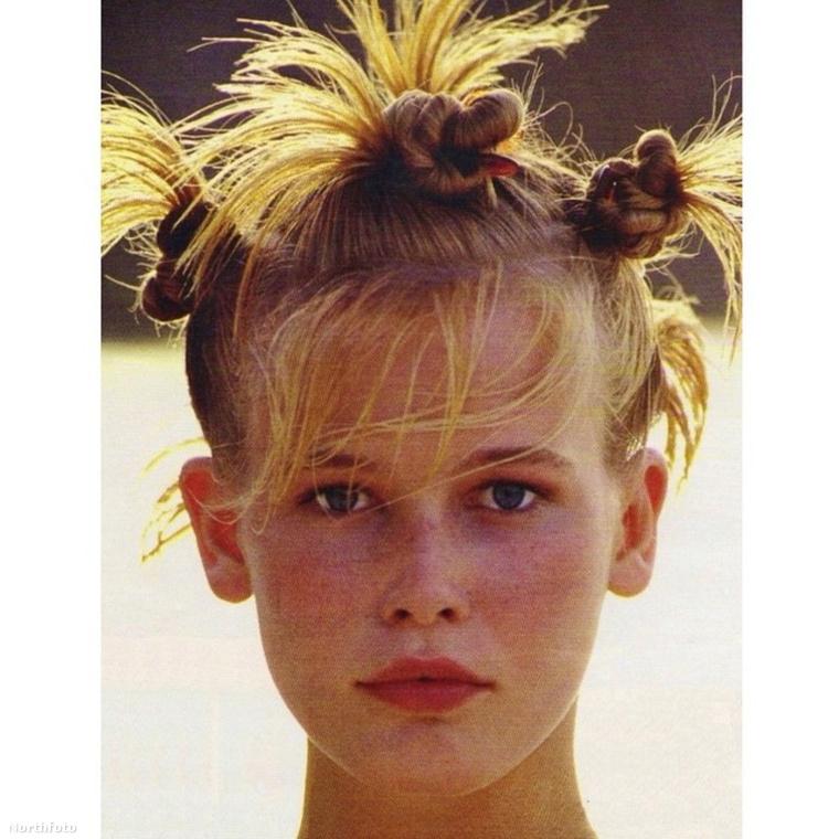 Claudia Schiffert 1987-ben, 17 éves korában fedezték fel egy diszkóban, a Metropolitan divatügynökség vezetője azonnal szerződést ajánlott neki.