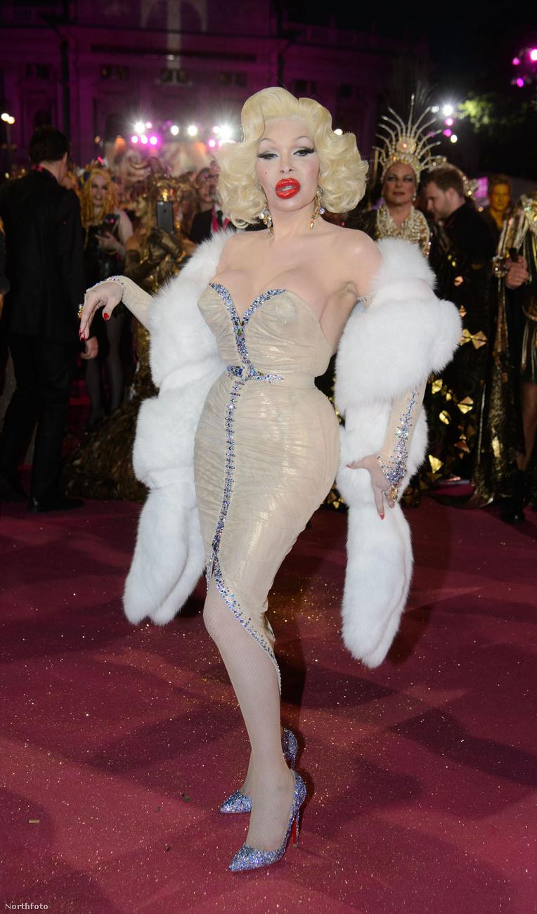 Amanda Lepore transznemű előadóművész feltehetően egész életében plasztikáztatni fogja magát.