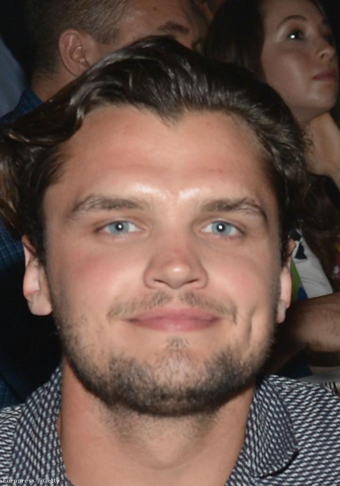 ...aki egy az egyben úgy néz ki, mint Leonardo DiCaprio!!!!!
