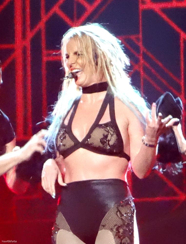 Amit aztán szépen ellensúlyozott a Britney Spearsről készült fotósorozat