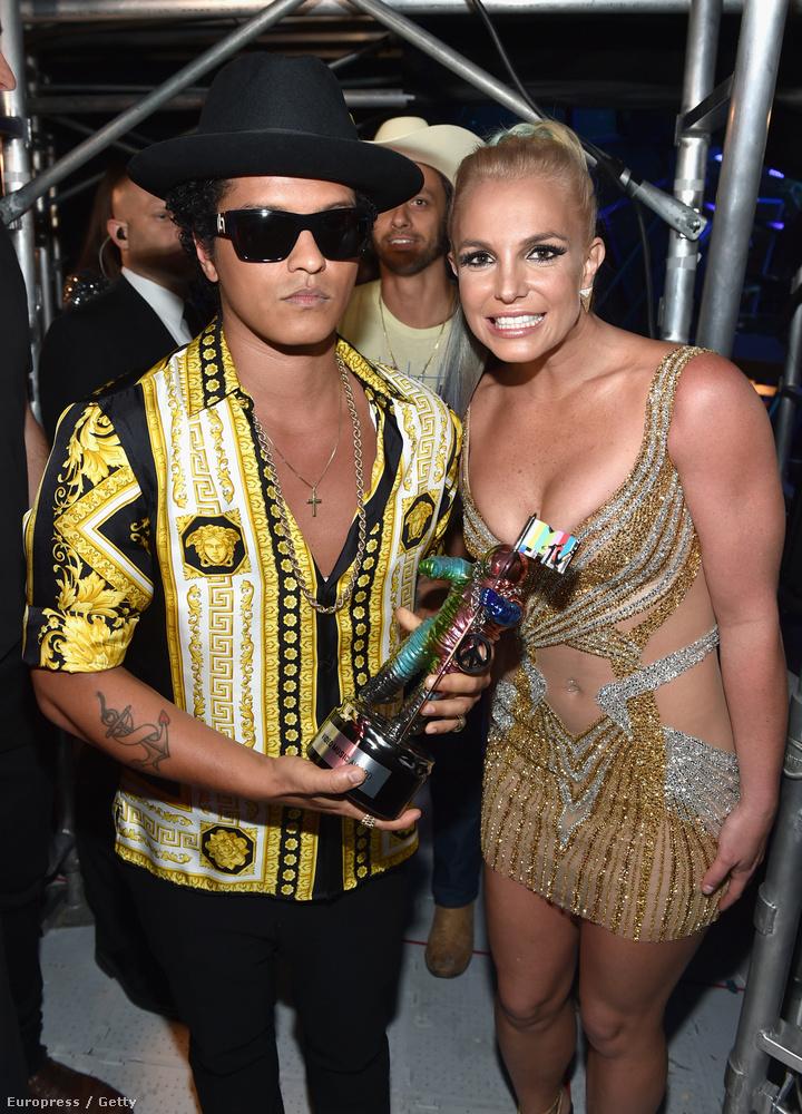 Britney Spears újra összeért Zimány Lindával