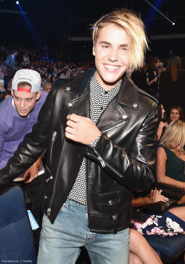 Justin Bieber az újonnan megjelent száma után ezt az értelmezhetetlen hajat villantotta meg