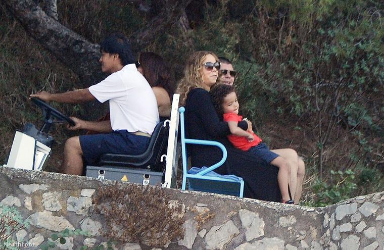 És hát ezek együtt most olyanok, mint egy boldog család