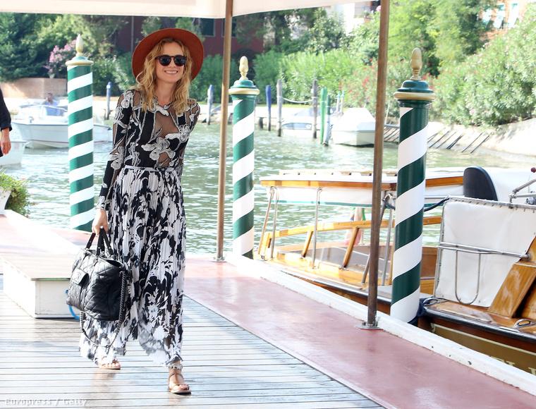 Elkezdődött a Velencei Nemzetközi Filmfesztivál, ahova a celebek is hajóval érkeztek