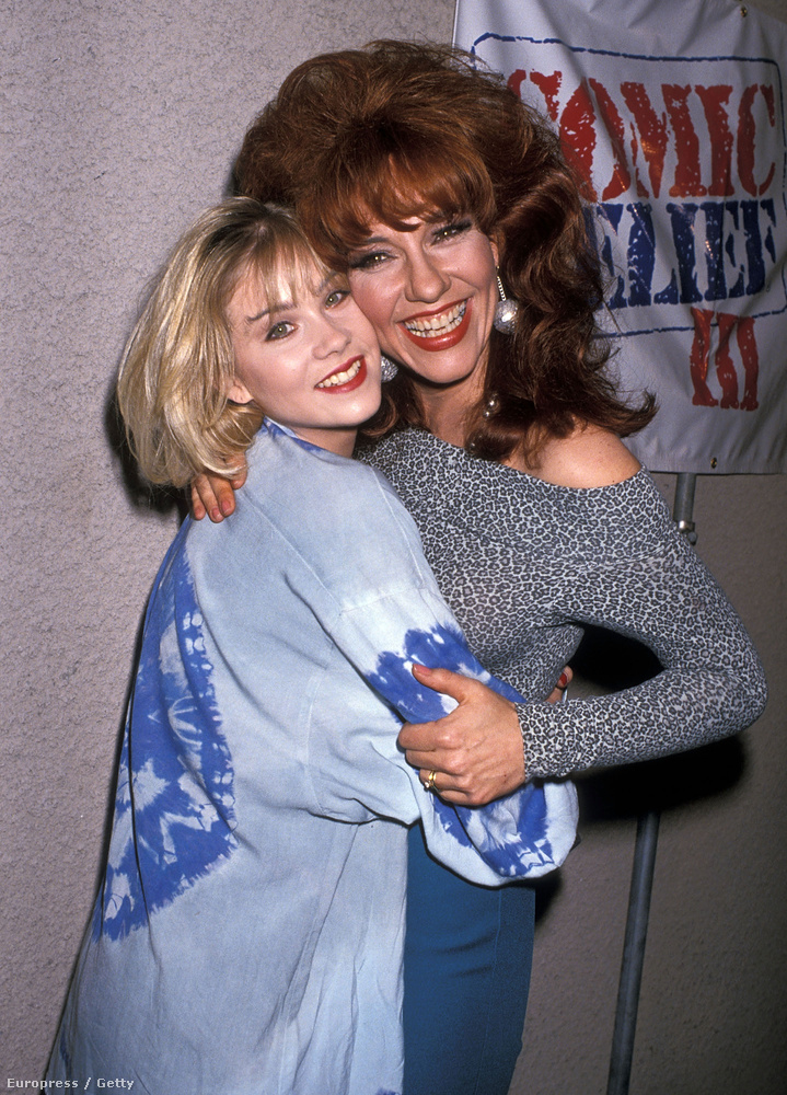 Az Egy rém rendes család 1987 és 1997 ment, ez pedig egy 89-es kép az ikonikus Peggy-hajjal