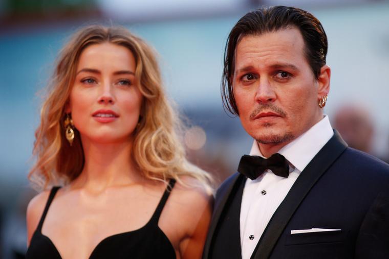 Johnny Depp meg valamiért rendkívül gondterhelt