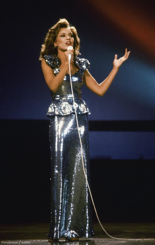 Neki nagyot lódított a karrierjén a győzelem: énekesnőként, színésznőként, modellként a mai napig sikeres
