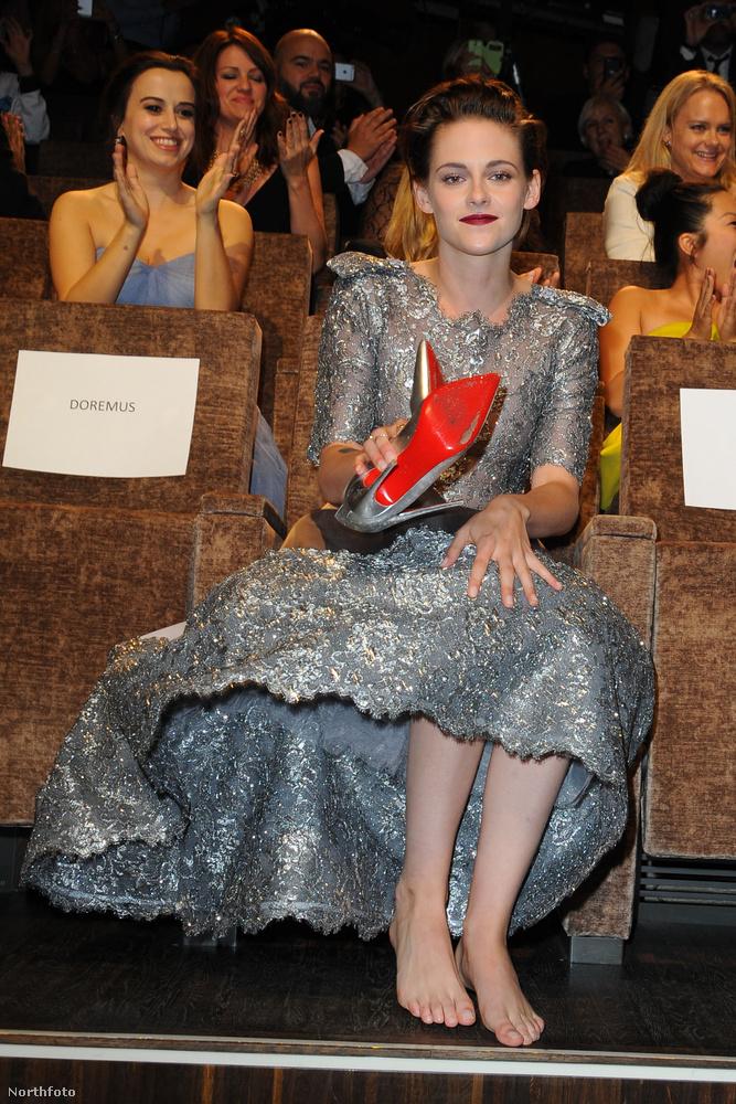 Kristen Stewart szerint minek cipő.