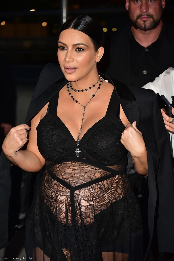 Kardashian mondjuk élvezi.