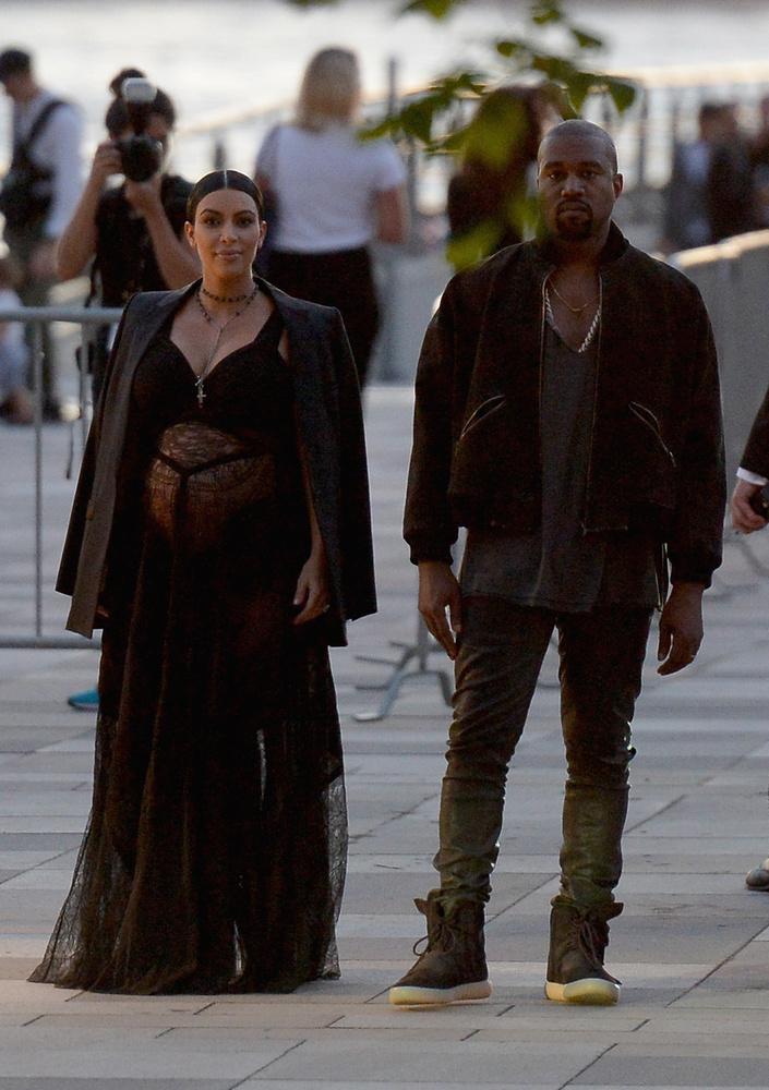 Az isteni páros a New York-i divathét Givenchy bemutatójára érkezett, kellő felkészültséggel, már ami sajátos eleganciájukat illeti.
