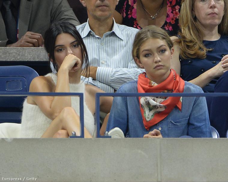 Gigi Hadid és Kendall Jenner pont olyan fejet vágnak, mint a legtöbb tini egy matekórán vagy egy családi ebéden