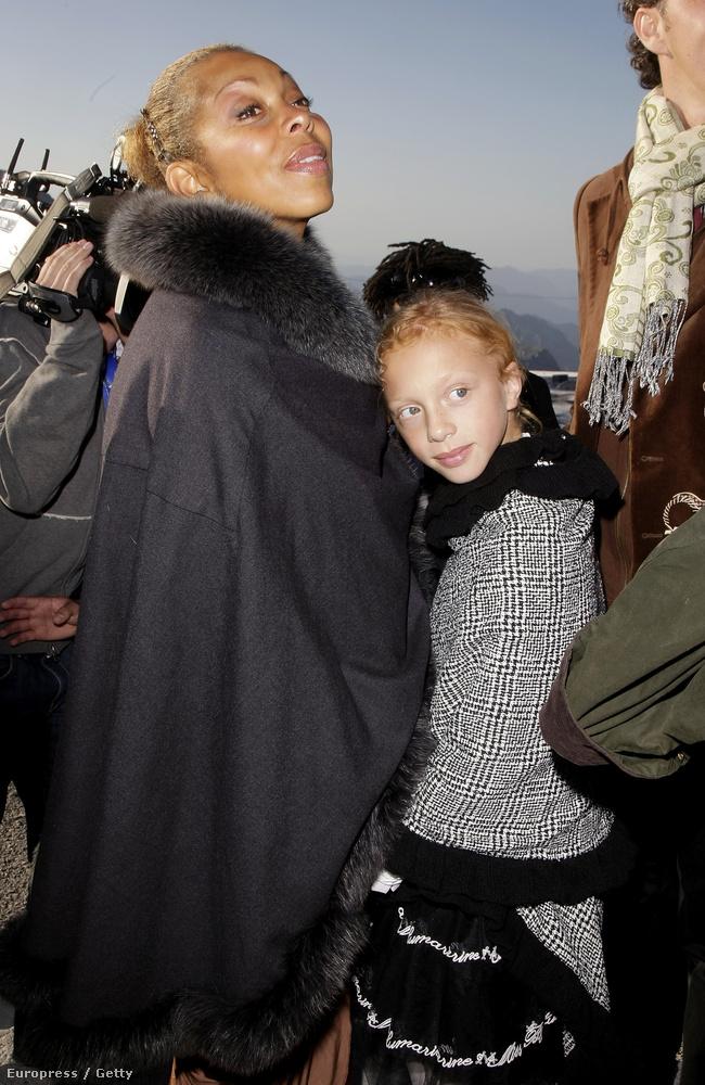 Anna Ermakova megszületett, és le sem tagadhatná, hogy ki az apja