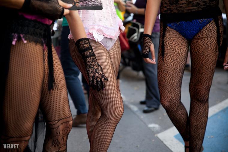 Milliós pénzbírságokat kapnak a szexmunkások