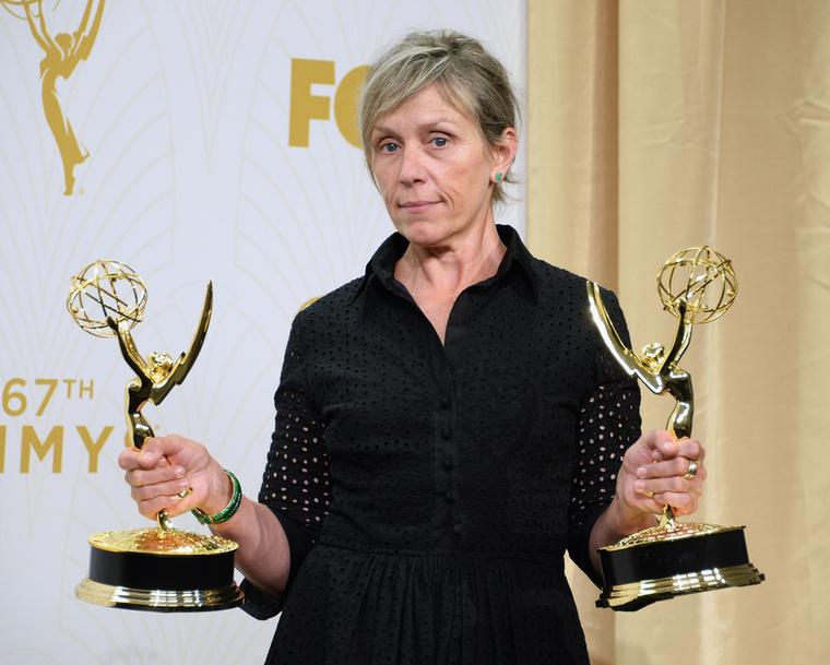 Azt mondta, azért értékelték ennyire (összesen három elismeréssel) a sorozatát, mert jól mond el egy történetet, és ennyi elég is.