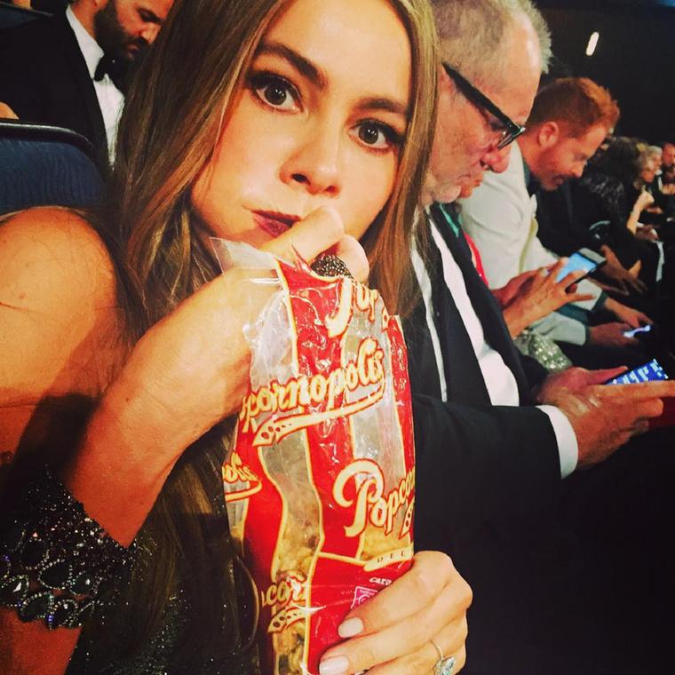 Sofía Vergara például következetesen tömte a popcornt