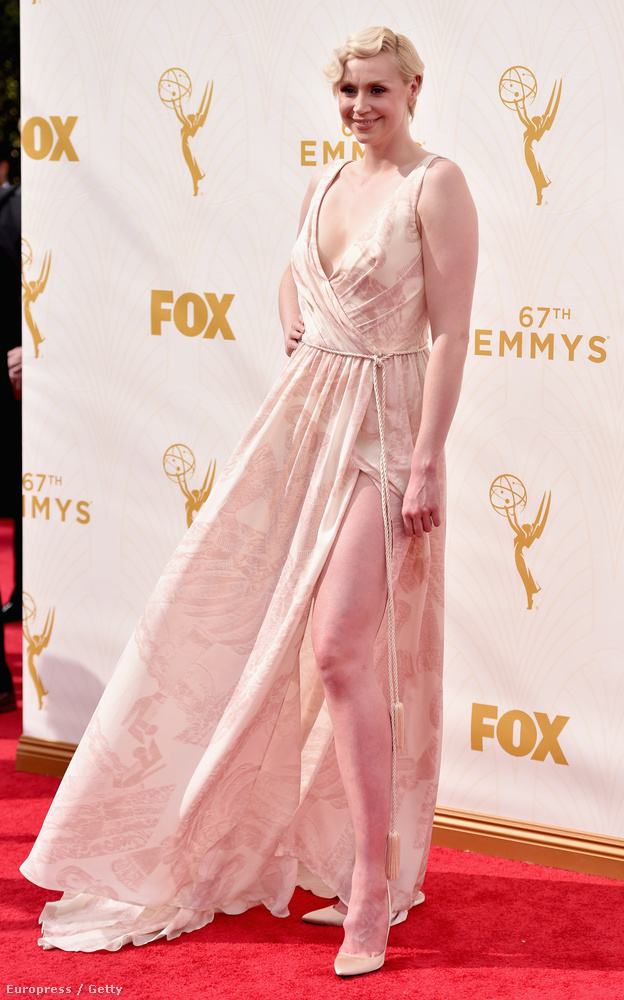Az Emmy-díjak kiosztója miatt ma már nagyon sokat írtunk a Trónok harca című HBO-sorozat szereplőiről, de kénytelenek vagyunk még mindig velük foglalkozni
