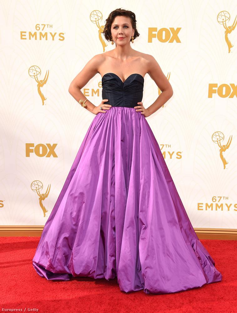 Vajon Maggie Gyllenhaal ruháját Oscar de la Renta tényleg ennyire gyűröttre tervezte?