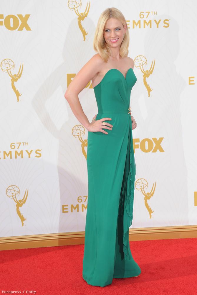 January Jones, a Mad Men sztárja üdvözli önt a 2015-ös Emmy-kiosztó legrosszabbul öltözött sztárjait bemutató lapozgatóban