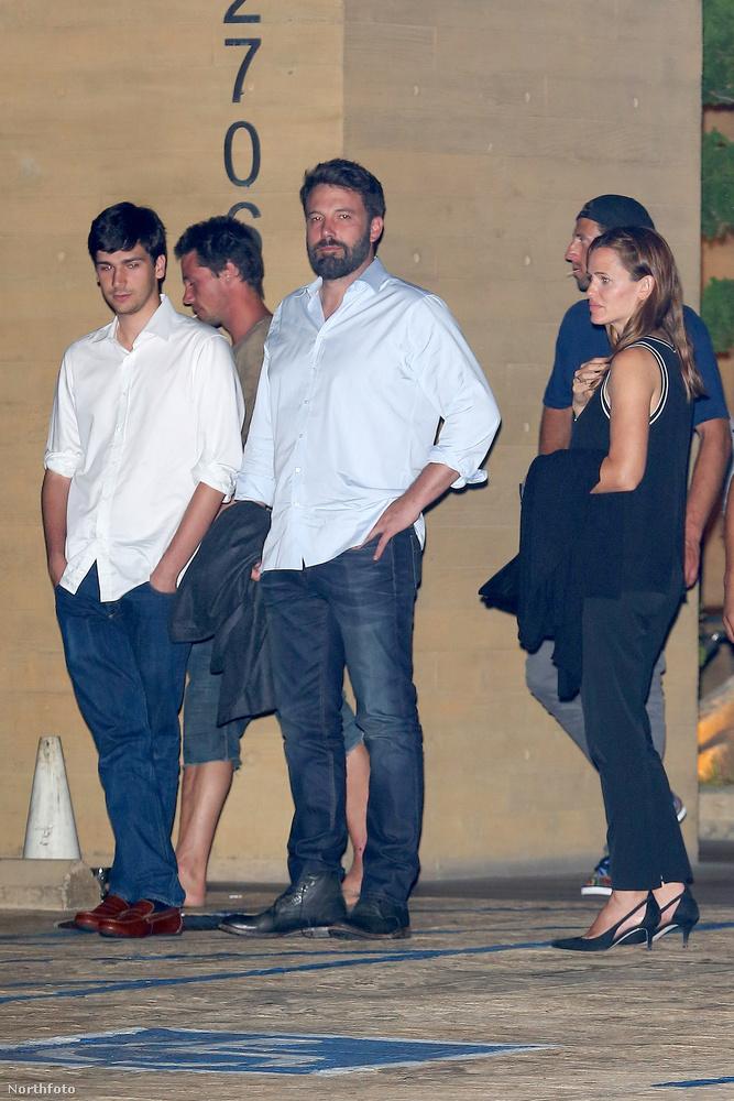 Ben Affleck és Jennifer Garner szeptember 20-án együtt vacsoráztak Malibuban.