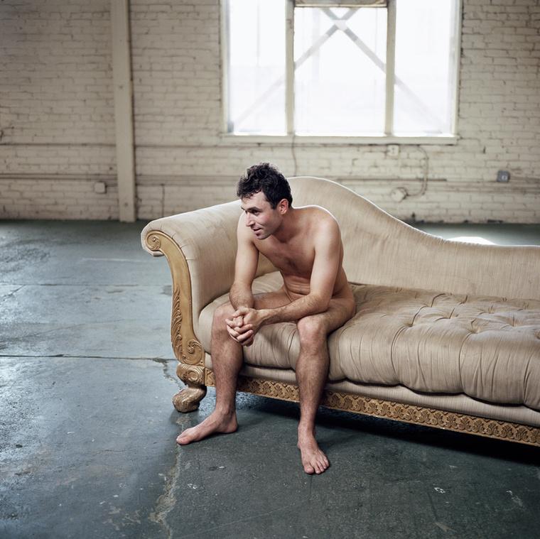 James Deen mellett többek közt Sophie Knight és Danny D pornósokkal is együtt dolgozott a projekten, továbbá barátra lelt egy magyar pornószínészben, akit Gyurinak hívnak.