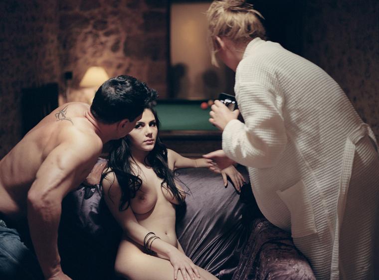 Az It's Just Love sorozattal a mindenkori szépséget, a humanitást, a pornó másik oldalát prezentálja