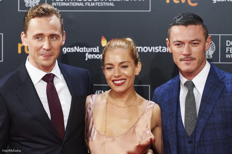 Sienna Miller mellett Tom Hiddleston és Luke Evans