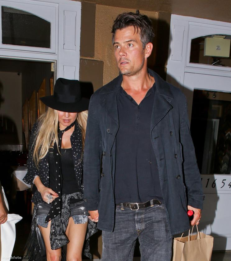 Vagy Fergie és férje, Josh Duhamel.