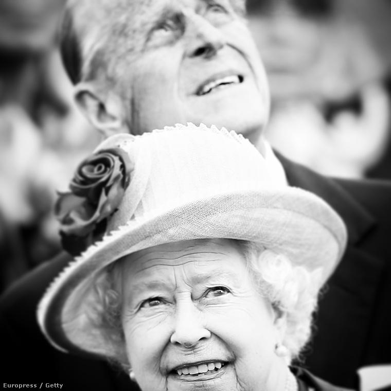 Most mondja, hogy nem jó ez a kép Erzsébet királynőről és Fülöp hercegről!