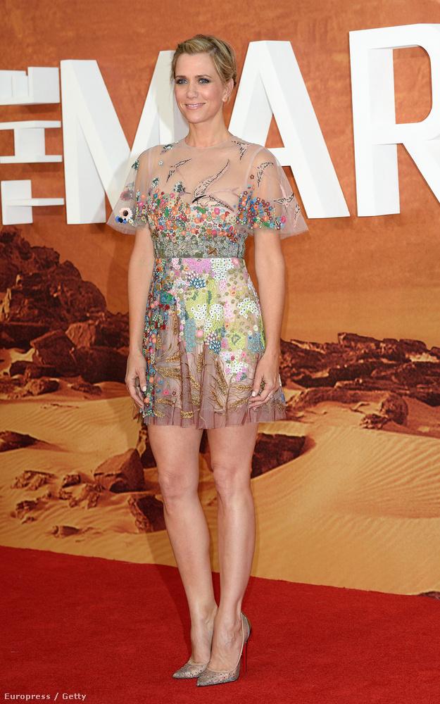 Kristen Wiig hosszú, fekete hajjal játszotta a Walter Mitty titkos élete című filmben Ben Stiller szerelmét