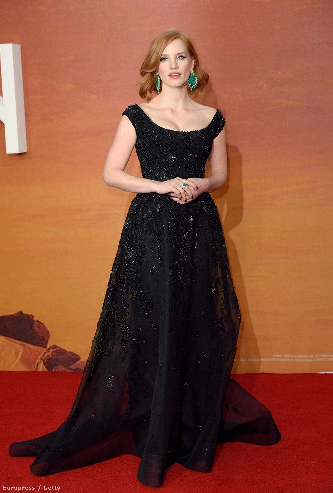 Jessica Chastaint feltehetően senkinek nem kell bemutatni, a film európai premierjén is gyönyörű volt, mint mindig.